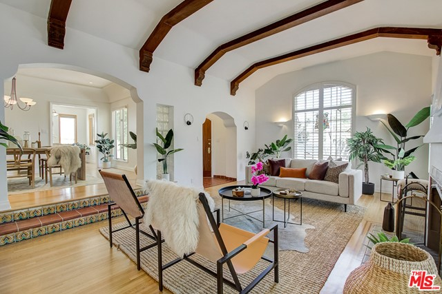 221 WETHERLY Drive, Beverly Hills, California 90211, 3 Bedrooms Bedrooms, ,2 BathroomsBathrooms,For Sale,WETHERLY,20577628