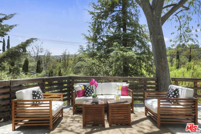 41. 4901 Escobedo Drive Woodland Hills, CA 91364