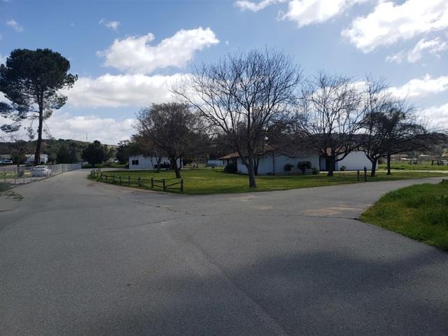 2138 San Vicente Rd, Ramona, CA 92065