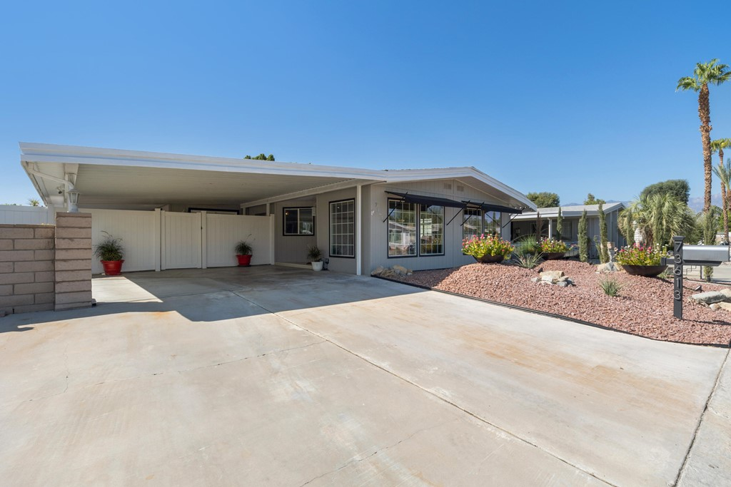 73613     Desert Greens Drive N, Palm Desert CA 92260