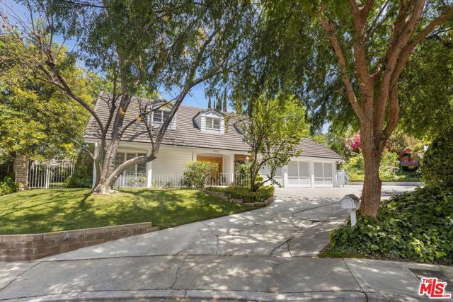 4420 Da Vinci Avenue Woodland Hills, CA 91364