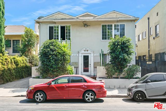 6224 De Longpre Avenue, Los Angeles CA: https://media.crmls.org/mediaz/A4293246-6BC2-4C1F-954C-371843B525E1.jpg