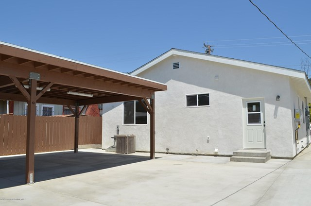 2418 Florencita Dr, Montrose, CA 91020 Photo 2