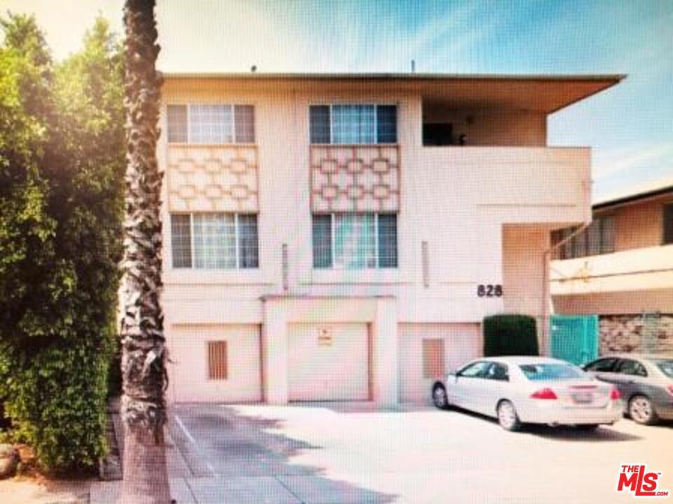 828     Lincoln Boulevard   1, Santa Monica CA 90403