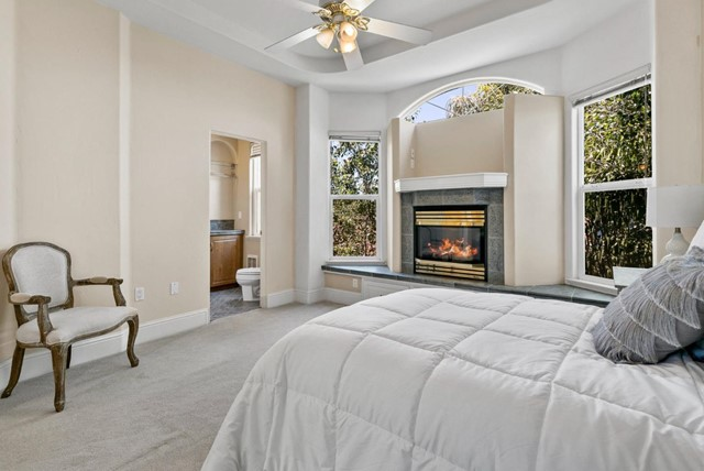 25. 233 Villa Mar Santa Cruz, CA 95060