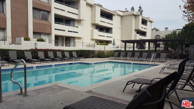 Photo of 21620 BURBANK Boulevard #23, Woodland Hills, CA 91367