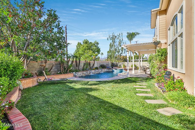 54. 215 Southcrest Place Simi Valley, CA 93065