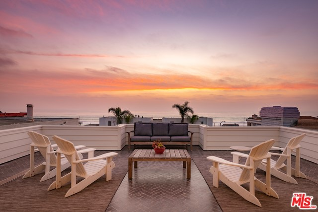 703 Bayview, Manhattan Beach, California 90266, 4 Bedrooms Bedrooms, ,2 BathroomsBathrooms,For Rent,Bayview,20565800