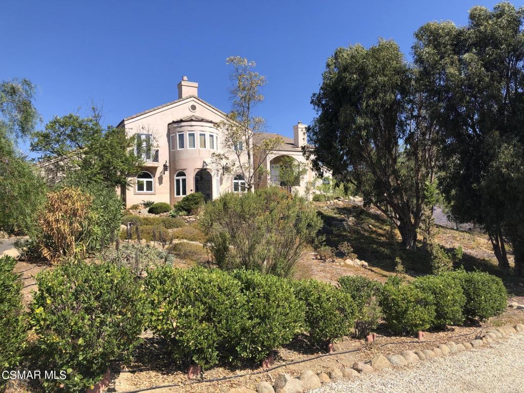 10827     Pacific View Drive, Malibu CA 90265