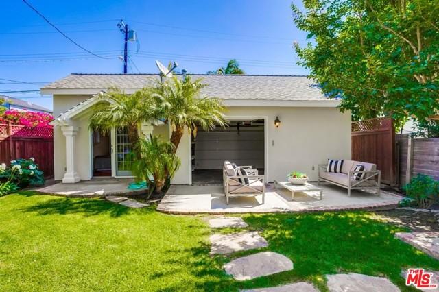 26. 1724 S Carmelina Avenue Los Angeles, CA 90025