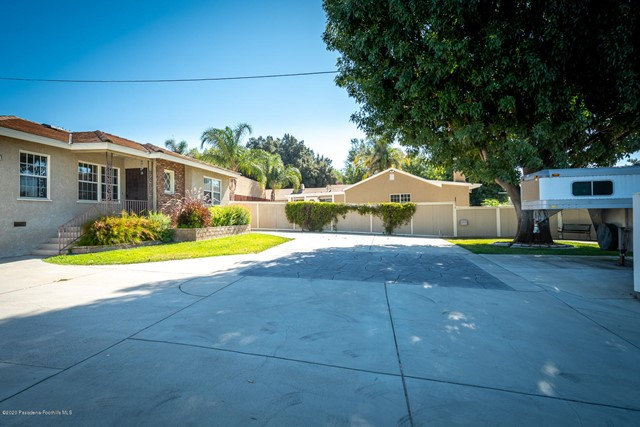 10635 Foothill Bl, Lakeview Terrace, CA 91342 Photo 6