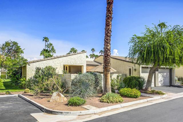 386 E E Via Carisma, Palm Springs, CA 92264
