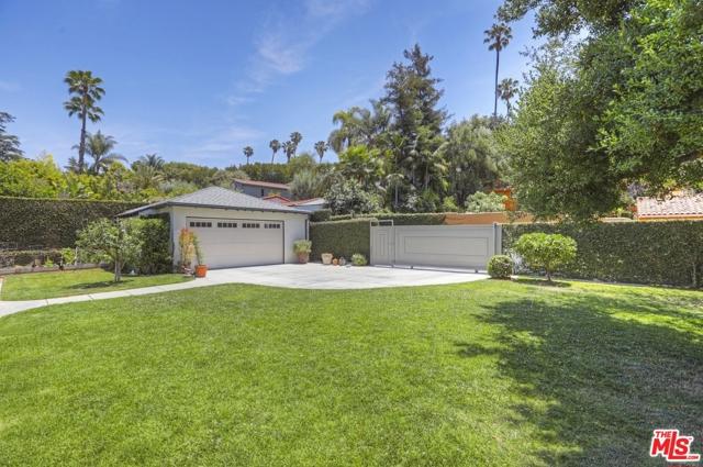 50. 5222 Los Feliz Boulevard Los Angeles, CA 90027