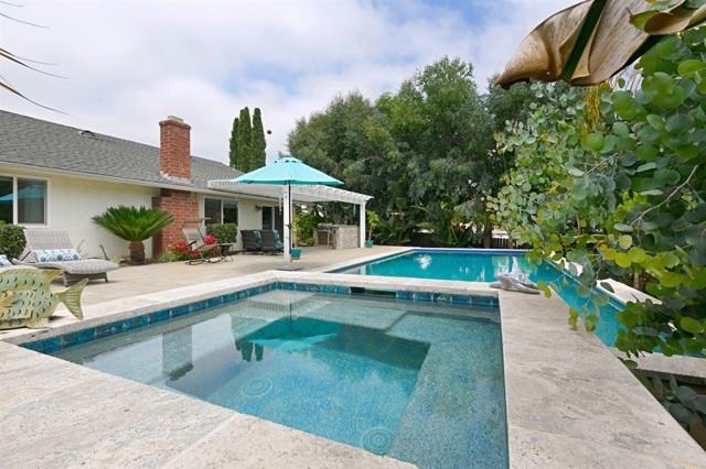 1968 Anna Lane, Vista, CA 92083