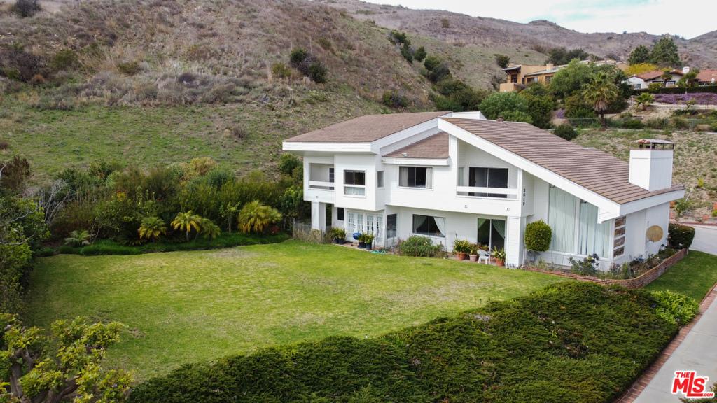 3619     Malibu Country Drive, Malibu CA 90265