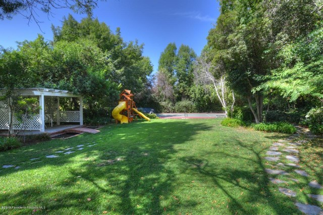 4817 Hillard Avenue, La Canada Flintridge, CA 91011