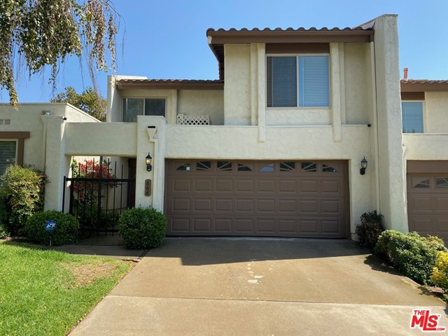 Photo of 686 Woodlawn Drive, Thousand Oaks, CA 91360