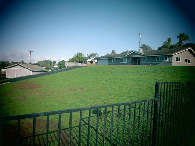 1732 Hartwright Rd, Vista, CA 92084