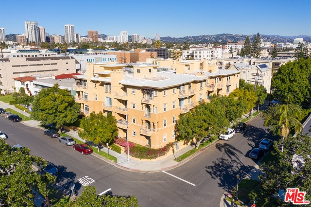 10641 MISSOURI Avenue 105, Los Angeles, CA 90025