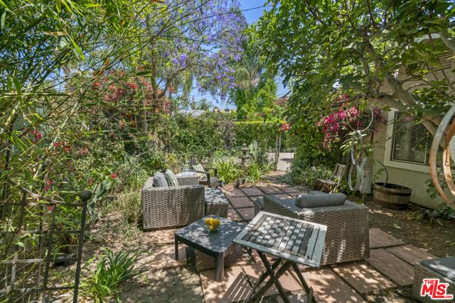 5. 1/2 Mammoth Avenue Sherman Oaks, CA 91423