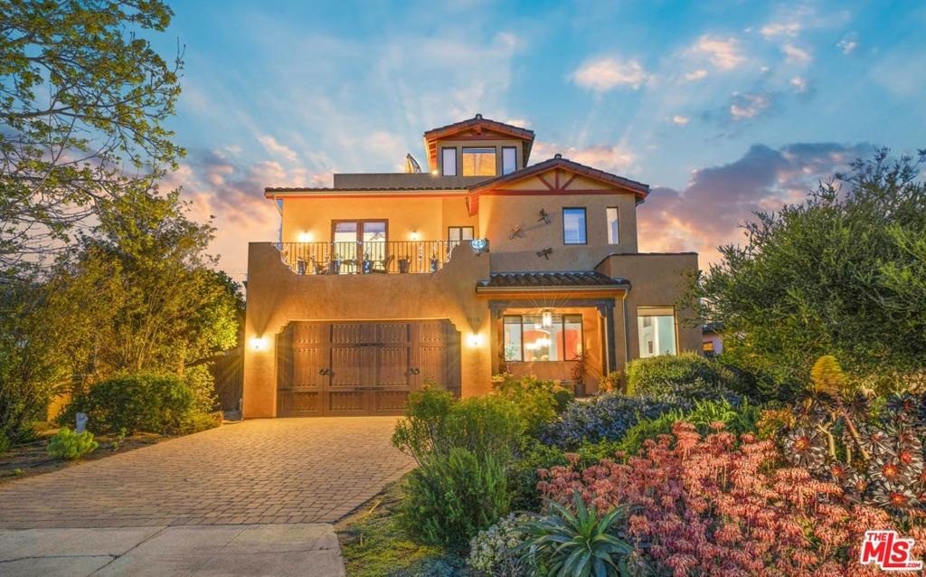 7908     Altavan Avenue, Los Angeles CA 90045