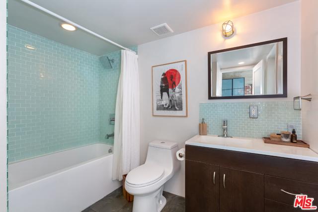 19. 100 W 5Th Street #3A Long Beach, CA 90802