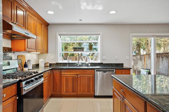 20560 Arbeleche Lane, Saratoga, CA 95070