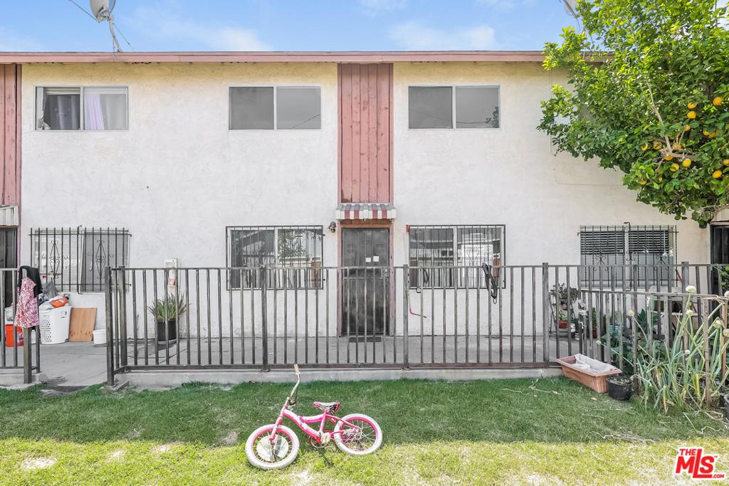 2020   W 23Rd Street   10, Long Beach CA 90810