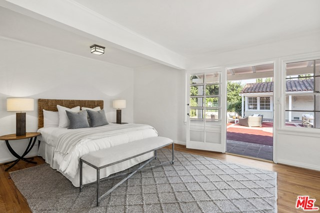 22. 2700 S Oak Knoll Avenue San Marino, CA 91108