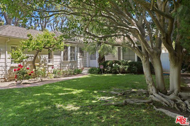 530 Avondale Av, Los Angeles, CA 90049 Photo 2