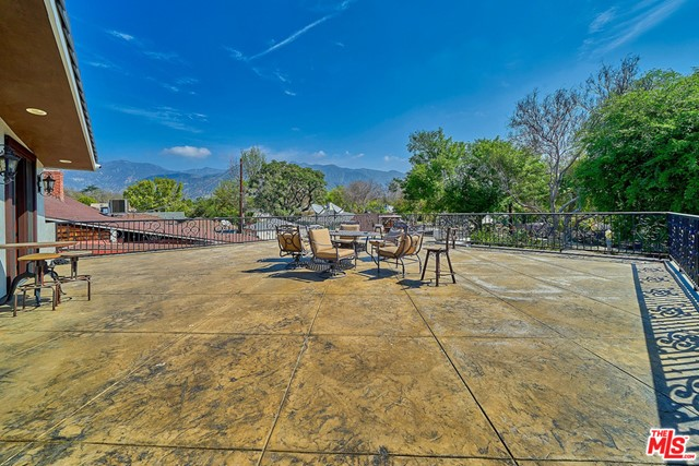 6. 370 Mercedes Avenue Pasadena, CA 91107