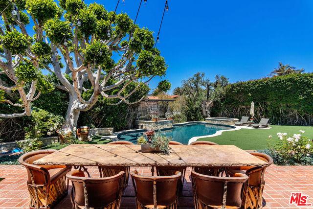 10. 453 Via Media Palos Verdes Estates, CA 90274