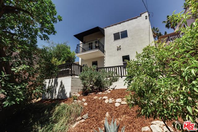 21. 6228 Mount Angelus Drive Los Angeles, CA 90042