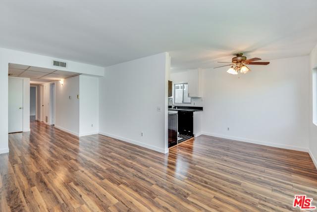 6. 5900 Murietta Avenue #203 Van Nuys, CA 91401