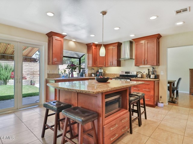 12. 11533 Coralberry Court Moorpark, CA 93021