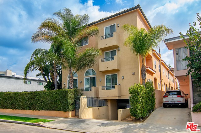 2. 1536 Hi Point Street #103 Los Angeles, CA 90035