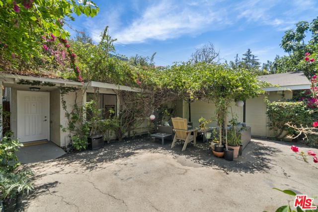 9. 1/2 Mammoth Avenue Sherman Oaks, CA 91423
