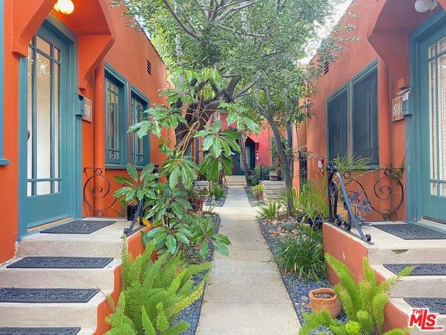 1507 N Hoover Street, Los Feliz, CA 90027