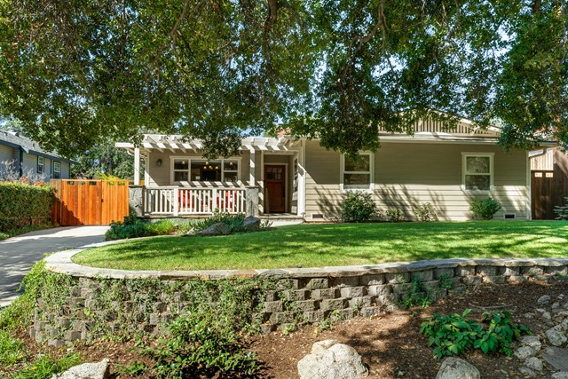 421 Grove Street, Sierra Madre, CA 91024
