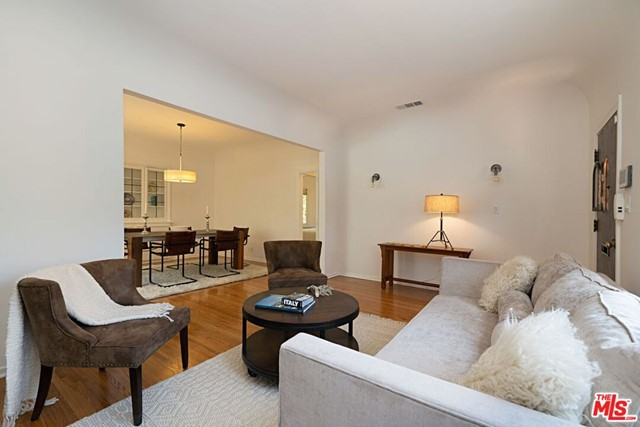 4. 9015 Rosewood Avenue West Hollywood, CA 90048