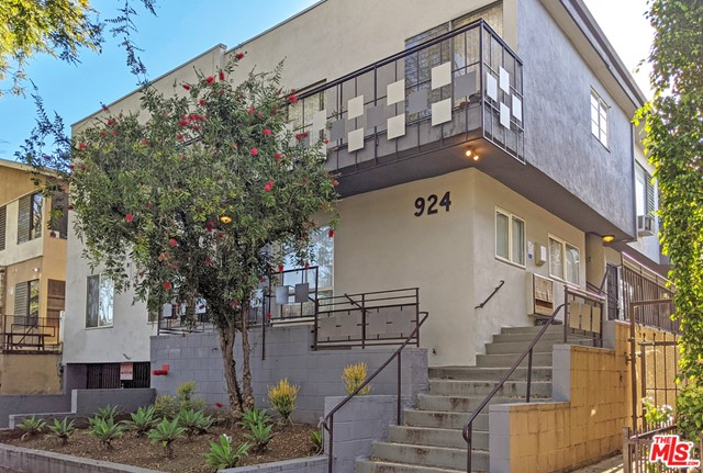 924 North Stanley Avenue, constructed in 1959, is an 8,869 square foot building on a 6,490 square foot WDR3C lot.  The property boasts an excellent unit mix of six one-bedroom/one-bathroom units, two two-bedroom/one-and-three-fourth-bathroom units, and two two-bedroom/two-bathrooms units.  The large units offer tile and laminate flooring, gas stoves, forced heat, wall units for cooling, and select units have a balcony.  Six units have been renovated with new kitchens and bathrooms and upgraded flooring. This is part of a portfolio sale that includes 1047 North Stanley Avenue and 7631 Norton Avenue. Properties can be sold together or separately.