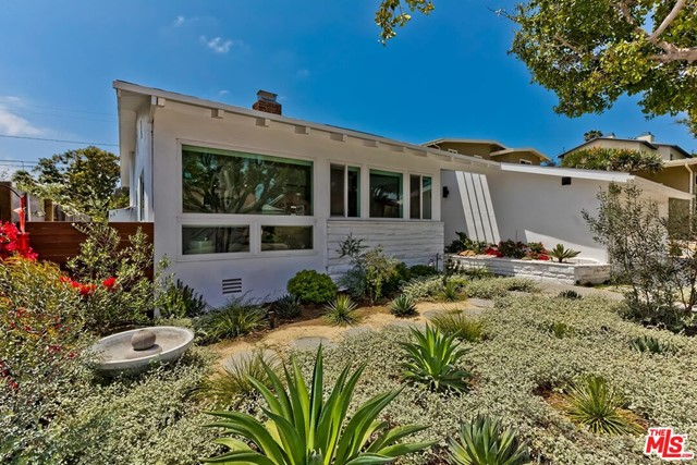 3. 5926 Wrightcrest Drive Culver City, CA 90232