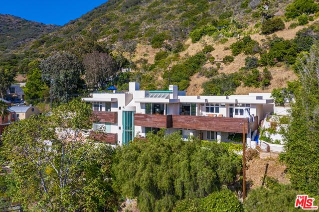 3. 21070 Las Flores Mesa Drive Malibu, CA 90265