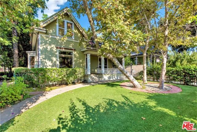 449 N Summit Avenue, Pasadena, CA 91103
