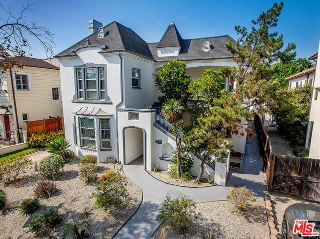 123 Mansfield, Los Angeles, California 90036, 3 Bedrooms Bedrooms, ,2 BathroomsBathrooms,Condominium,For Lease,Mansfield,21716284