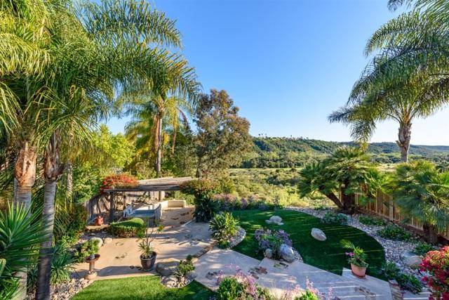 7675 Salix Pl, San Diego, CA 92129