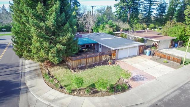 911 Dennis Drive, Palo Alto, CA 94303