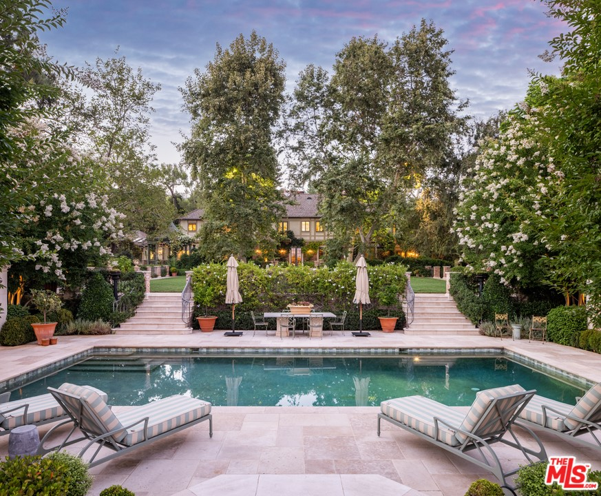 Photo of 1201 Tower Grove Drive, Beverly Hills, CA 90210