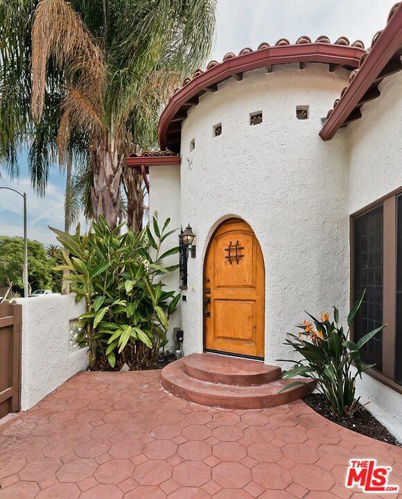 Image 3 of 361 N Laurel Ave, Los Angeles, CA 90048