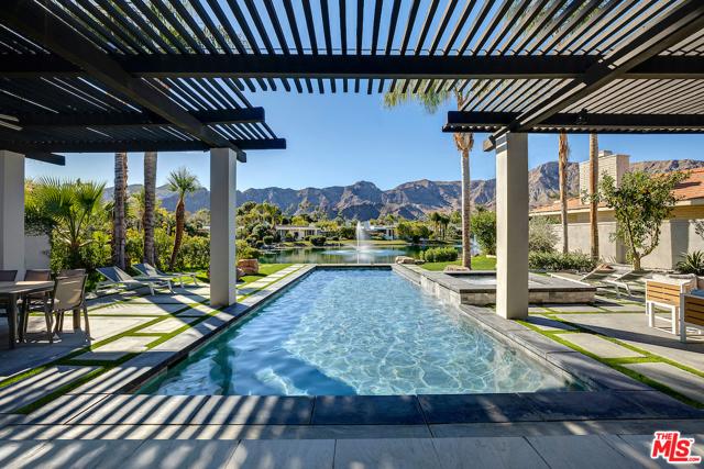 8 Deerfield Court, Rancho Mirage, CA 92270